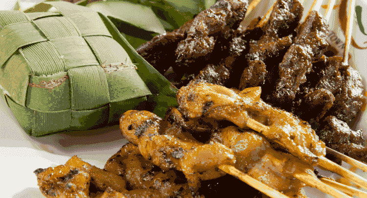 Chicken and Lamb satay Skewers with Ketupat Rice - Singapore Famous Food