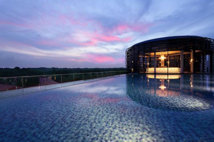 Aqua Luna Singapore, Park Hotel Alexandra