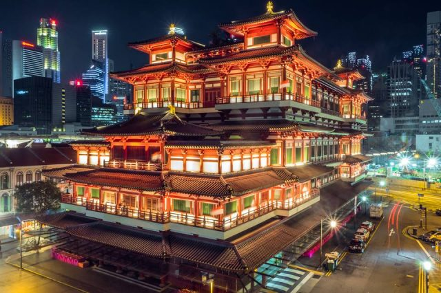 Buddha Tooth Relic Temple and Museum is the among best temple to visit in Singapore