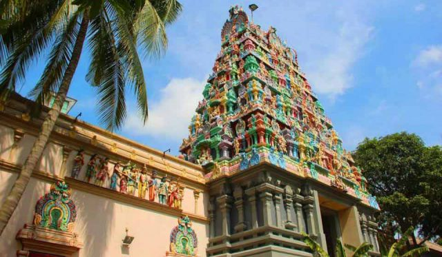 Sri Thendayuthapani Temple in Singapore