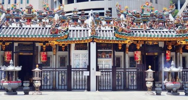 Yueh Hai Ching Temple in Singapore