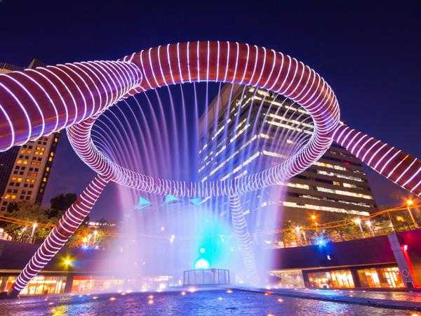 suntec-city-fountain-of-wealth